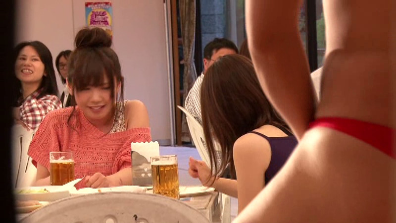 夏季限定!!泥酔素人美女大量お漏らしビアホール!! の画像4