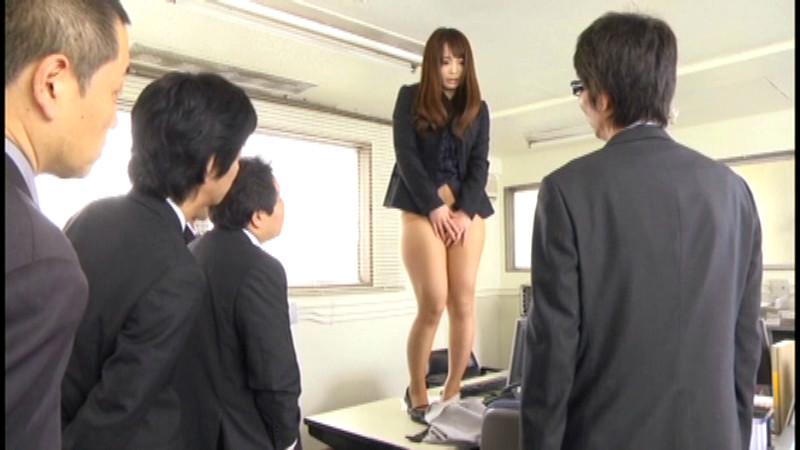 恥ずかしすぎる最初で最後の排泄 七咲楓花 画像 10
