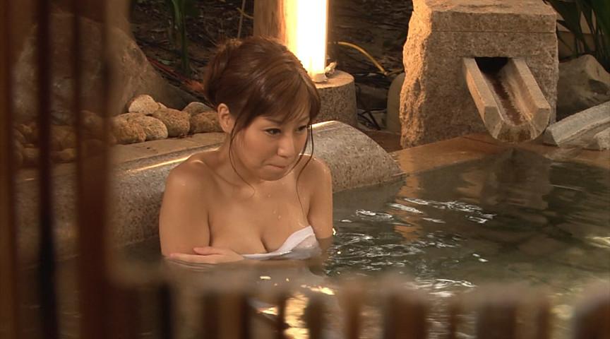 秋野千尋39歳 タオル一枚男湯入ってみませんか!? 画像 4