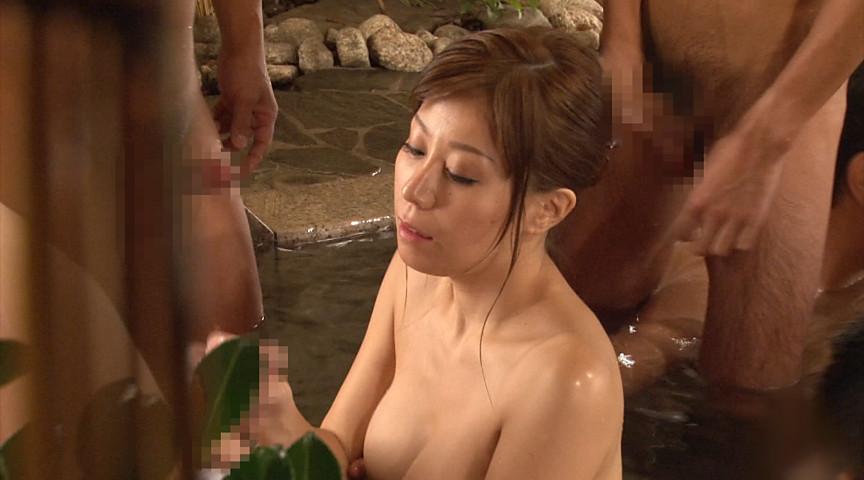秋野千尋39歳 タオル一枚男湯入ってみませんか!? 画像 11