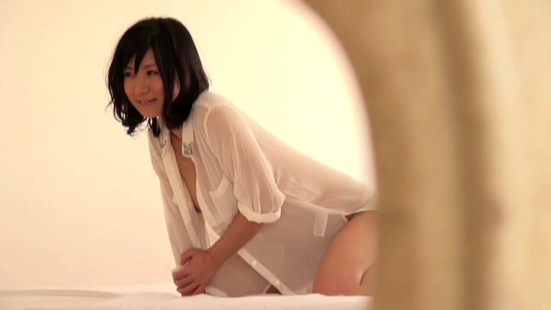 可愛い現役女子大生をマジックミラー号でAVデビュー 画像 7