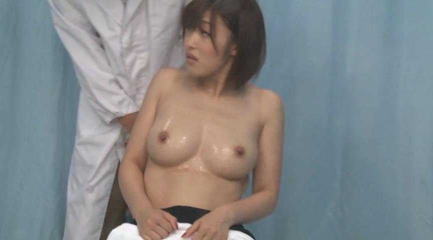 お昼休みの巨乳OL乳もみ検診 オマ○コに激ピストンSEX 画像 4
