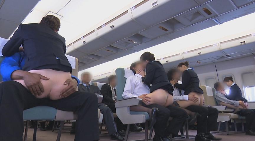 「制服・下着・全裸」 またがりオマ○コ航空 5のサンプル画像