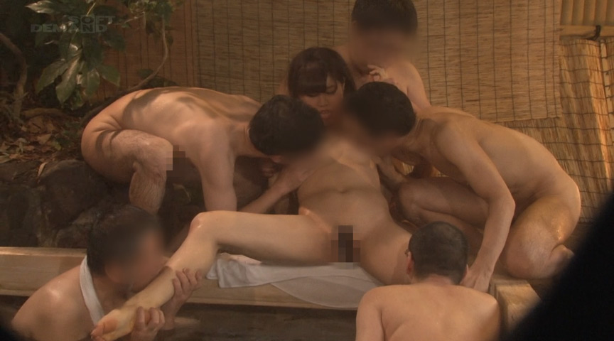 箱根温泉 タオル一枚男湯入ってみませんか?女子大生 画像 14