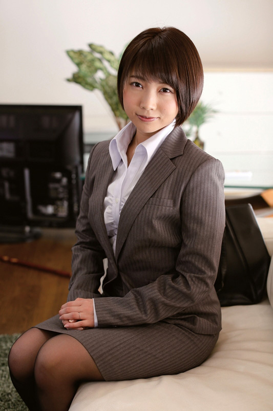 彼女が犯されるのをただ傍観するしかなかった 戸田真琴