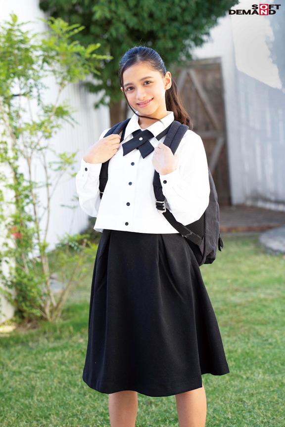 145cmベトナム生まれの激イキボディ アオザイを着たあの子。褐色美少女 咲田ラン SOD専属AVデビュー 10枚目