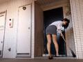 お隣さんのピチピチスパッツデカ尻若妻がボクを誘惑のサムネイルエロ画像No.8