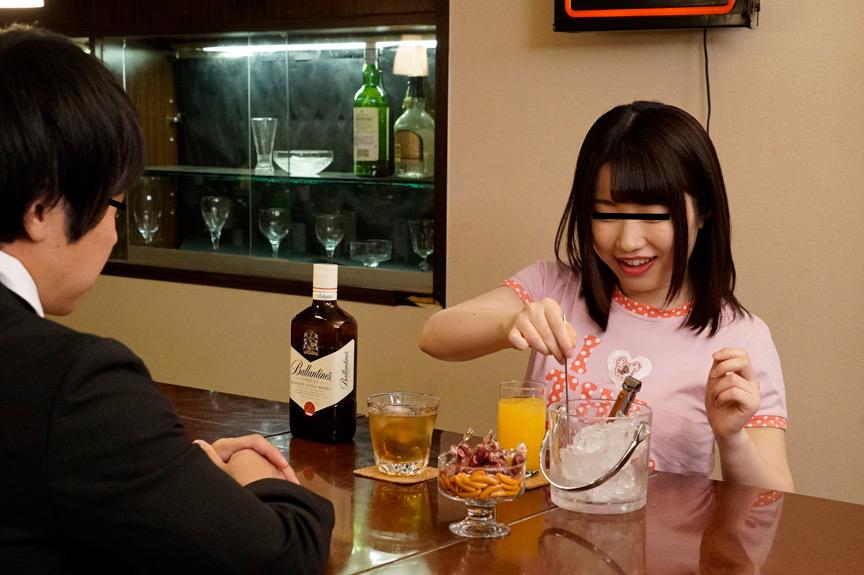 IdolLAB | sosorugarcon-0360 いつも飲みに行く場末のスナックのママの娘がエロ過ぎて