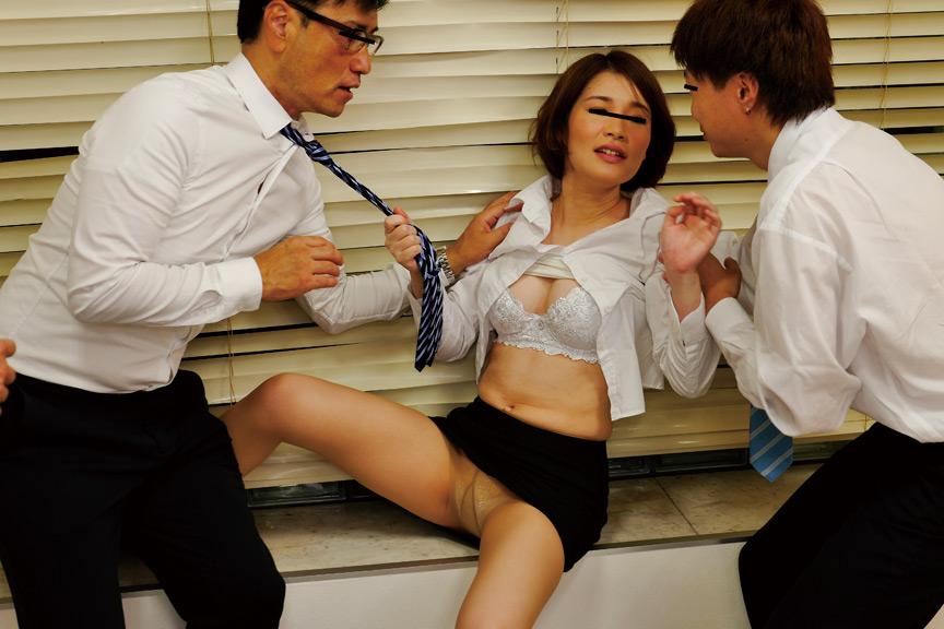 IdolLAB | sosorugarcon-0374 社内飲み会で酔ったソソる女子社員の欲求不満大爆発!!