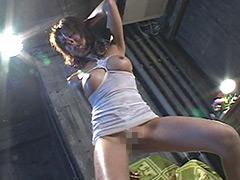 恥ずかしいエロダンスを踊らされるマゾ女~強制ダンス~