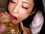 公衆口便器!小便を見たがる女・飲みたがる女 【DUGA】