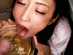 フェチ:公衆口便器!小便を見たがる女・飲みたがる女
