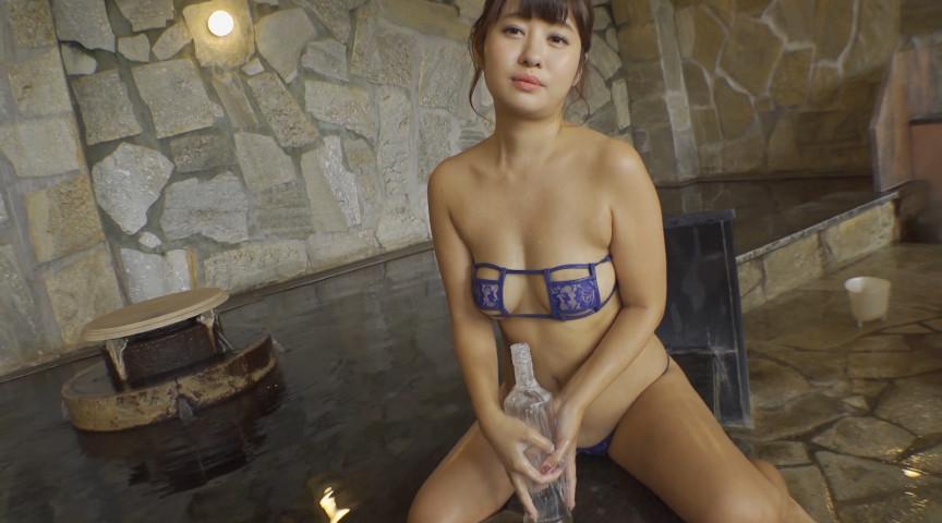 小山夏希  平日OL週末グラドル 8枚目