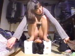 素人美少女限定 排尿、排便飲みます!食べます!2