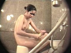 女子○生限定!生のぞき女風呂20