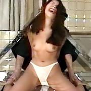 女スパイ拷問 くすぐり強制放尿の刑1
