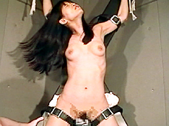 女スパイ拷問 くすぐり笑い地獄の刑41