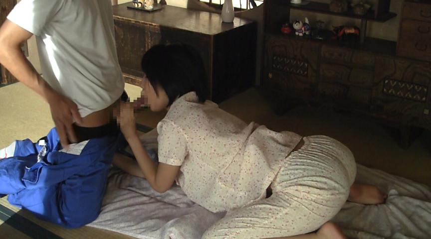 夏休み中の湊莉久を24時間ヤレる家のサンプル画像12