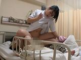 看護婦のおばさんは頼めば性欲処理を手伝ってくれる!?