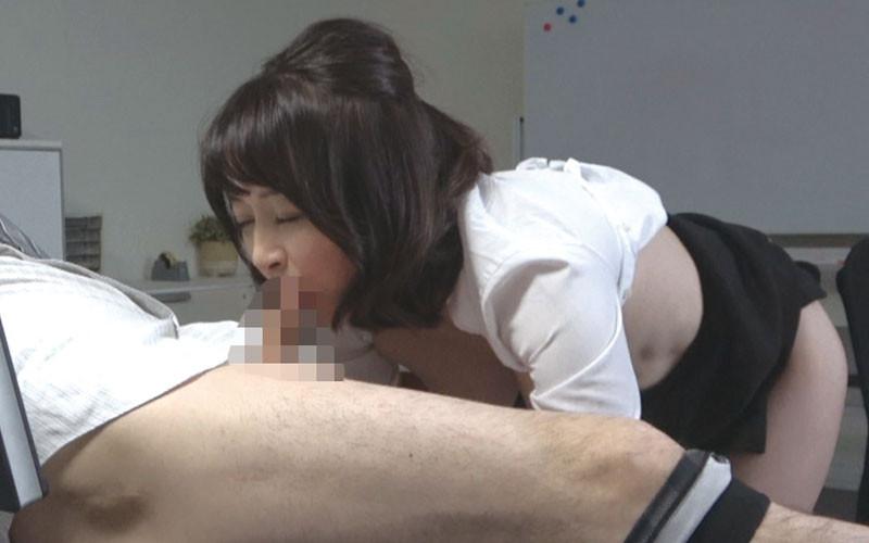 仕事上のミスを犯した人妻OLさんにセクハラ痴漢【サムネイム02】