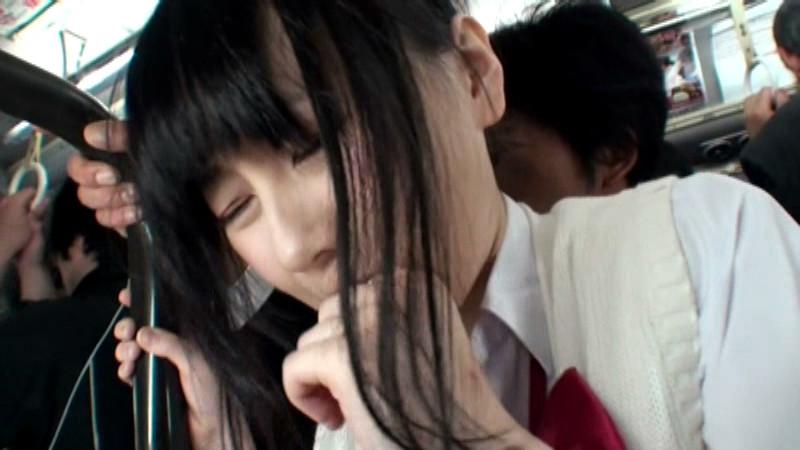 ニーハイ女子校生の絶対領域がチ○ポ汁でビシャビシャ 画像 8