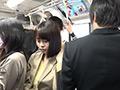 通勤バスは満員で目の前には黒パンストのOLだらけ!8