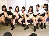 スクールパンチラ見せつけ誘惑してくるクラスメイト 【DUGA】