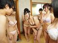 6人の親戚のお姉ちゃんたちと混浴スペシャル!のサムネイルエロ画像No.1