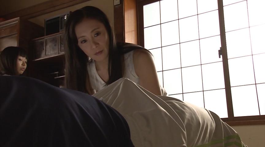 性欲の強い息子にめろめろにされた義母 平岡里枝子