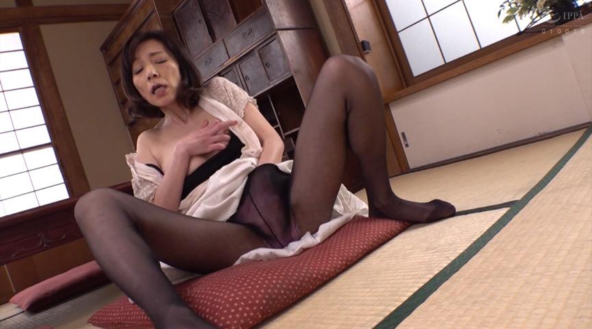 母姦中出し 息子に初めて中出しされた母 磯山恵子