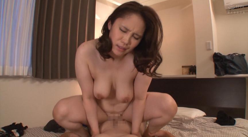IdolLAB   takara-2157 あん時のセフレは友人の爆乳お母さん8時間2枚組
