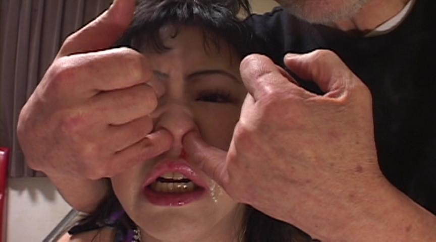 豊満マゾ牝 鼻責め人間噴水 加賀ゆかこのサンプル画像2