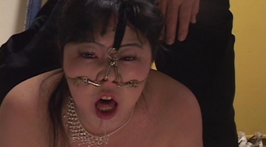 豊満マゾ牝 鼻責め人間噴水 加賀ゆかこのサンプル画像
