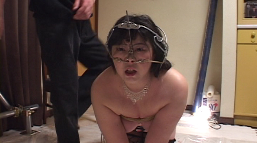 豊満マゾ牝 鼻責め人間噴水 加賀ゆかこのサンプル画像11
