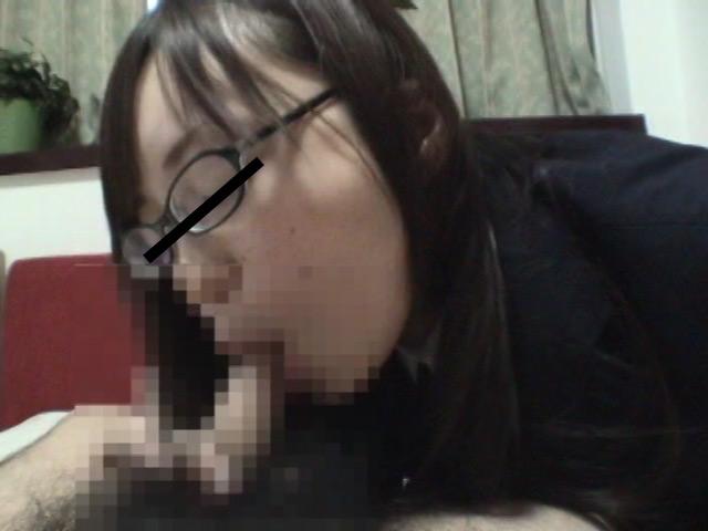 素人投稿 飲尿娘 望19歳OL PART2のサンプル画像
