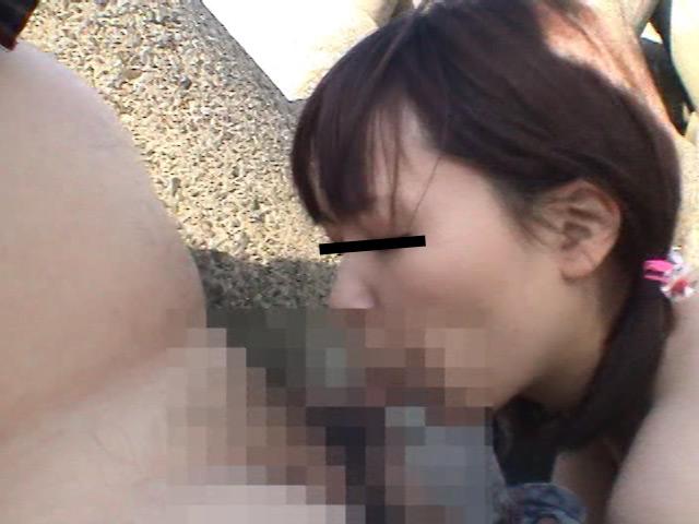 野外露出 麻衣子19歳女子大生のサンプル画像6