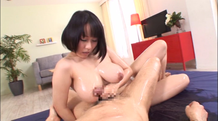 色白巨乳ローションDOUBLE 仁科百華&前田優希 画像 5