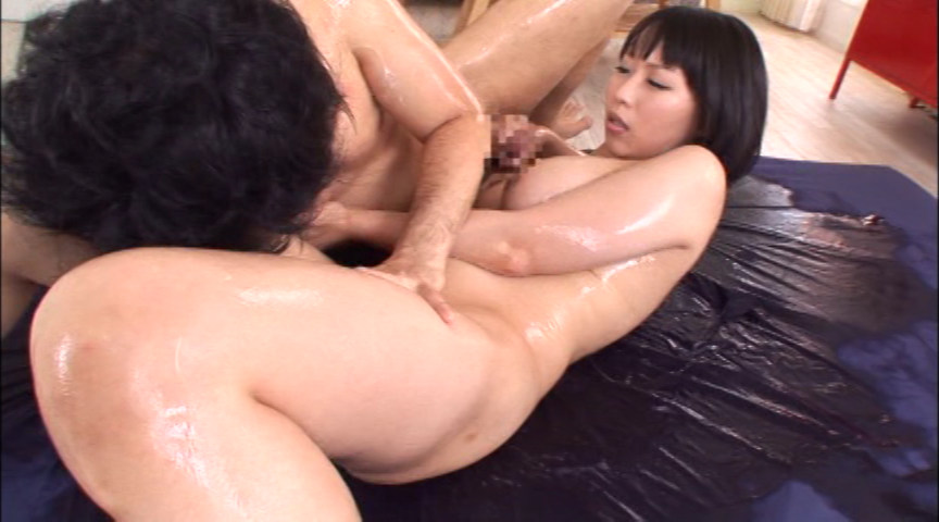 色白巨乳ローションDOUBLE 仁科百華&前田優希 画像 6