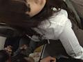 満員電車でハメたがる発情痴女のサムネイルエロ画像No.2