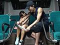 電車バス内で行われる痴漢わいせつ映像集 4時間のサムネイルエロ画像No.5