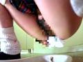 女子校生トイレ狙い撮り4のサムネイルエロ画像No.3