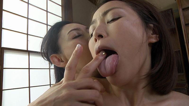 レズペニスに執着する淫欲熟女 烏丸まどか 宮本紗央里 画像 5