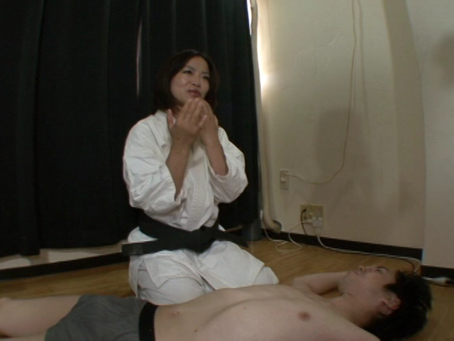 豪腕性圧 ~ブラジリアン柔術チャンプM男撃退絞め~ 画像 3