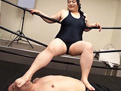 超肉圧重撃レディー!!~無慈悲なリングの巨女王~