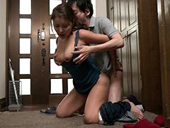 父が出かけて2秒でセックスする母と息子 北川舞