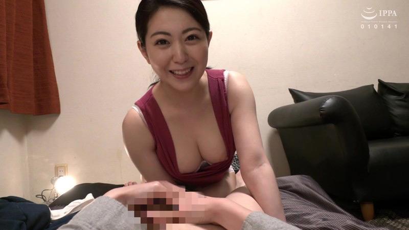 友達の母親は性欲モンスター! 香坂のあ 画像 15