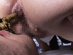 限りなく拡がる制服少女の肛門