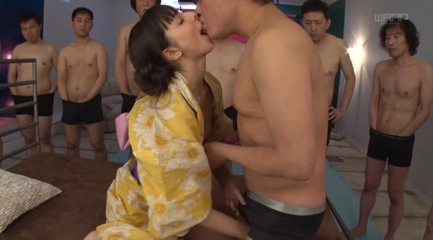浴衣姿の西田カリナ