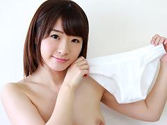 下着:パンツを売ってマ●コを見せる女 AV女優・初美沙希