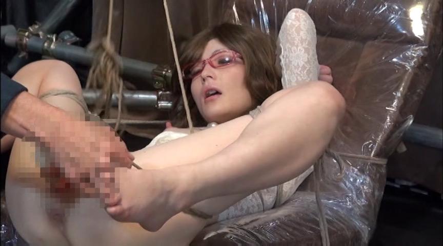 穴哭 凌辱膣肛拡張 ~嬲られるパイパン人形 10枚目